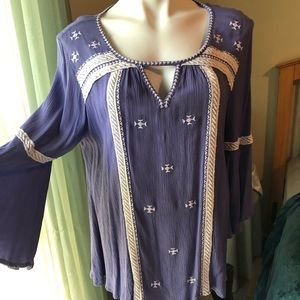 Intro size medium top great sleeve detail